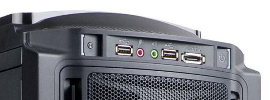 Ports disponibles en façade : deux audio, deux USB et un eSATA