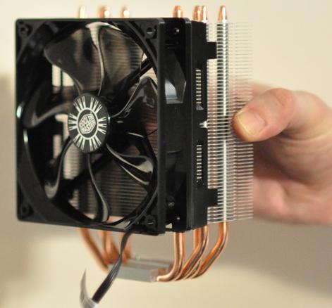 Ventirad de type tower (radiateur et ventilateur perpendiculaires au CPU)