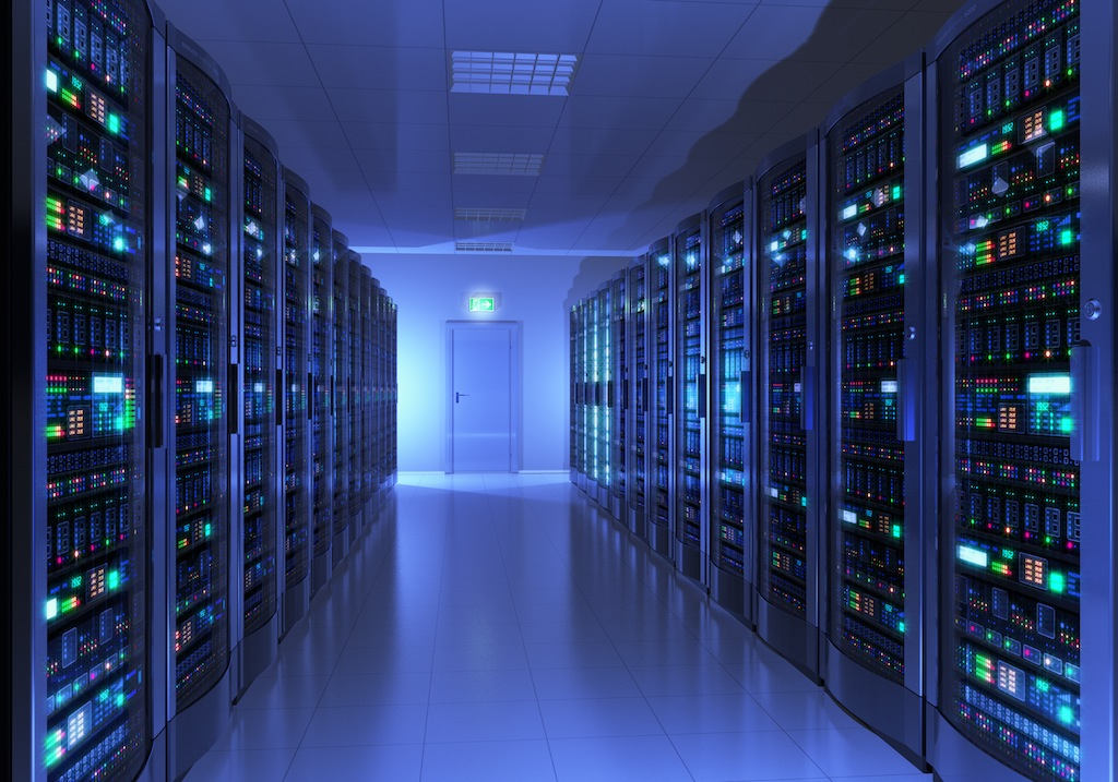 Un datacenter avec des baies de serveurs