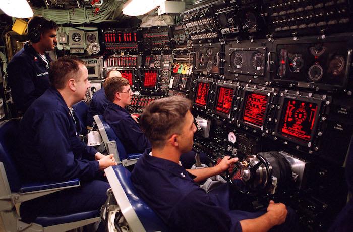 Le centre de commande d'un sous marin