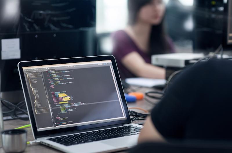 Vous codez en HTML et CSS pour intégrer la page produit