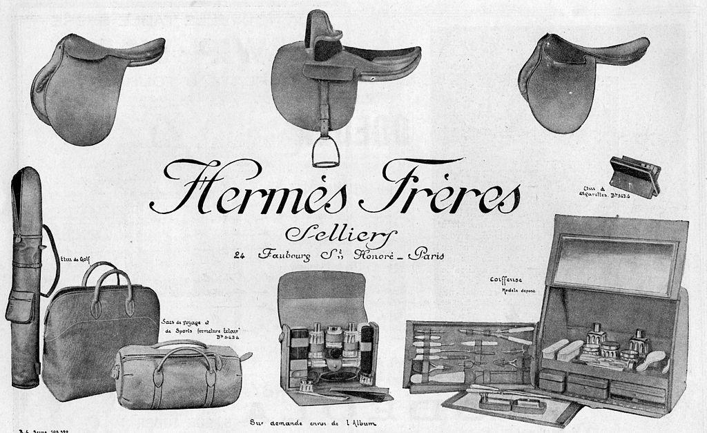 Publicité d'Hermès en 1923 présentant des selles et du matériel initialement prévu pour l'équitation.