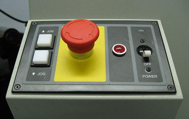 https://commons.wikimedia.org/wiki/File:Emergency_stop_button.jpg