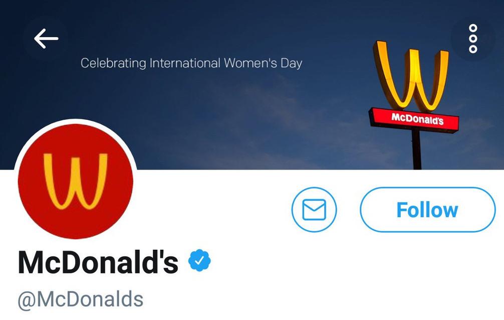 Impression d'écran du compte Twitter de McDonald's :  son logo