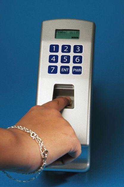 Accès biométrique - Source : Adobe Stock