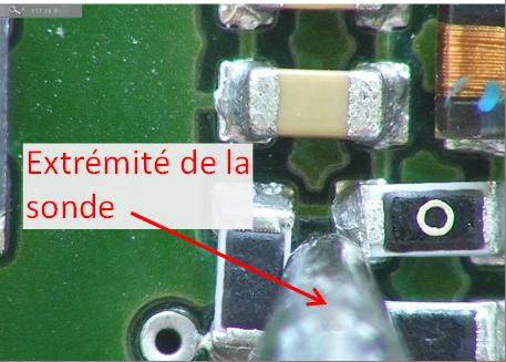 La sonde est trop volumineuse pour réaliser une mesure. La pointe touche plusieurs composants !