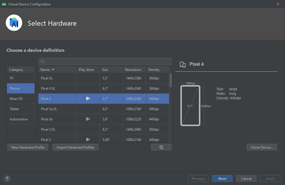 Sélectionnez les caractéristiques matérielles de votre équipement : Pixel 4 et cliquez sur Next
